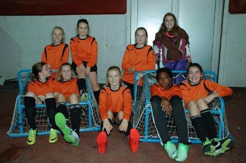Talentfulle: Ballstad lillejenter har mye fotball i seg.