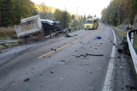NY DØDSULYKKE: I går skjedde det nok en dødsulykke på Kompveien mellom Mork i Sørum og Brattåsen i Fet. Foto: Vidar Sandnes