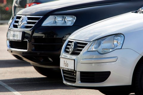 Regjeringen foreslår å kutte drastisk i avgiften for å omregistrere biler.