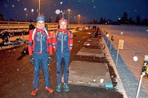Eirik Horten og Jørgen Solhaug Sæter på trening i onsdagens snøføyke ved Hummelfjell TOS-arena.