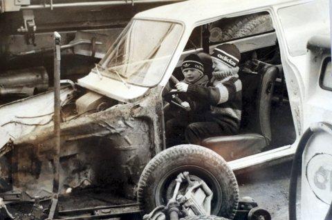 BILVRAK: Pekka og Ole-Martin Lundefaret har mange historier fra barndommen, som ifølge dem selv har dette til felles: Det handler om bil. Gutta var for unge. Og det var ulovlig.