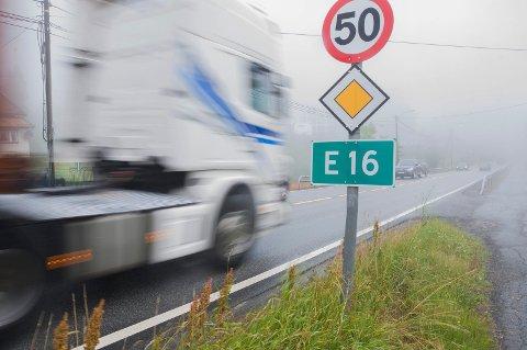 E16 over Sollihøgda har stor trafikkbelastning.