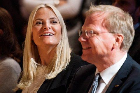Ola H. Strand er ny styreleder i Helse Midt-Norge. Her er han sammen med kronprinsesse Mette Marit under Coops miljøpris 2013 på Nationaltheatret. Foto: Fredrik Varfjell / NTB scanpix