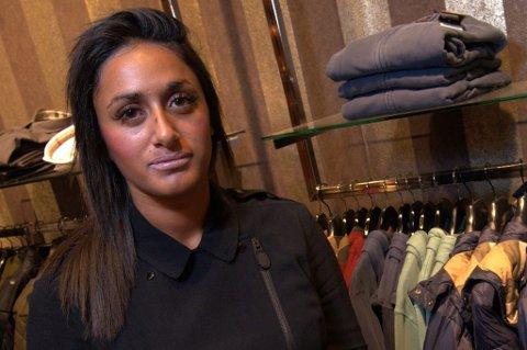 - ADRENALIN: Assisterende butikksjef Vita Mashadi ble løpt ned i forsøket på å stoppe jakketyven. Hun forteller at adrenalinet gjorde at hun ikke kjente noe. FOTO: VIDAR SANDNES