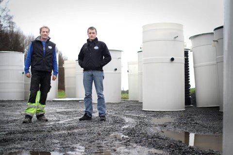DYKTIGE: Terje Haug og Martin Degnes i August Norge AS har gjort suksess med sin bedrift, som leverer og installerer renseanlegg.