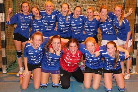 Disse jentene hadde all grunn til å juble etter målkalaset mot Grimstad lørdag ettermiddag. (Foto: OP)