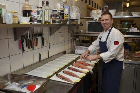 Kokken Arthur inviterer laurdag til rakafiskfest i Øvre Eidfjord.