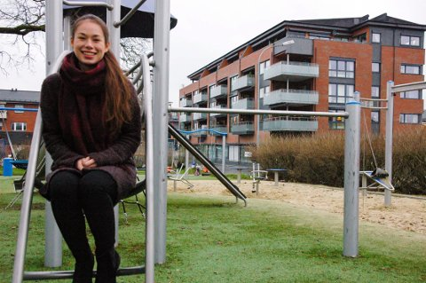 Ser lyst på fremtiden: Til tross for mange nedturer ser Cecilie Brochs (17) lyst på de kommende årene. Foto: Privat