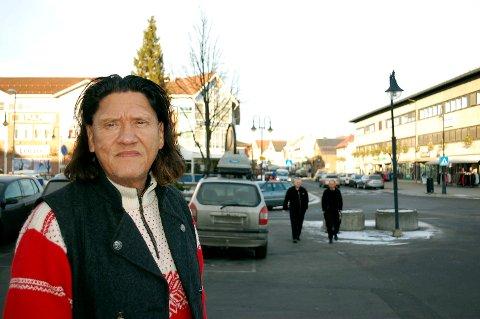 SKUFFET: Hilmar Bussi Karlsen-Rosenborg reagerer kraftig på at ei dame på Hedmark fikk jobbavslag med begrunnelse om at hun er tater.