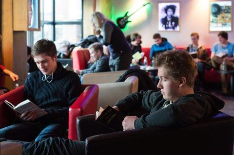 Kritiske lesere: Ungdommens kritikerpris kom i stand etter et initiativ fra Foreningen!les i 2005 og er et prestisjefylt nasjonalt prosjekt. Alle foto: Vidar Sandnes