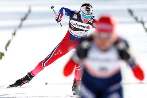 IMPONERTE IGJEN: Heidi Weng ble nummer tre på fem kilometer klassisk i Tour de Ski onsdag. Hun ligger fortsatt på andreplassen i sammendraget. FOTO: NTB SCANPIX