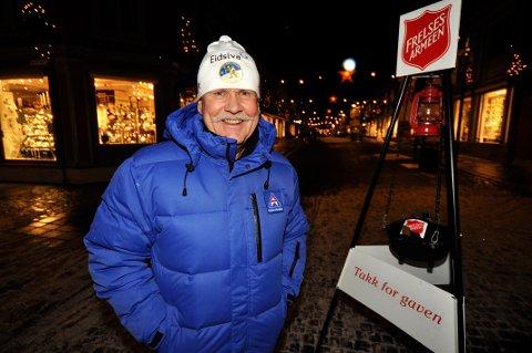 TAKKNEMLIG: Ivar Ringen takker alle som har bidratt med gaver og frivillig innsats under julegryteaksjonen.
