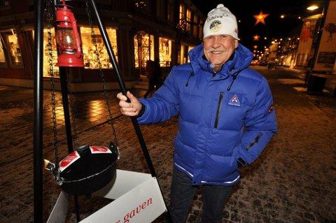 Ivar Ringen koordinerer julegryteaksjonen i Lillehammer.