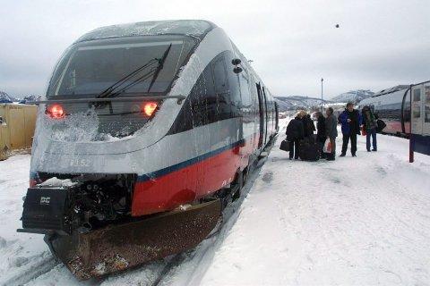 På sporet. Saltenpendelen har en trafikkøkning på 25 prosent i 2003 og er en suksess, sier NSB.Foto: Rune Grønlie