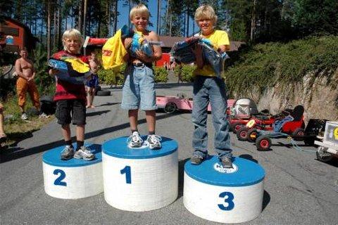 VINNERE: Stian Nygård (11) fra Lunde vant Telemarksmesterskapet i olabilkjøring i Sommarland i helga. På 2. plass kom broren, Jonas Nygård (9) og på 3. plass kom Vetle Rønningen (11), også han fra Lunde.
