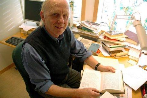 Professor Nils Ivar Agøy mener det er både komisk og tragisk at NS-navnet Vest-Viken er blitt tatt i bruk igjen.