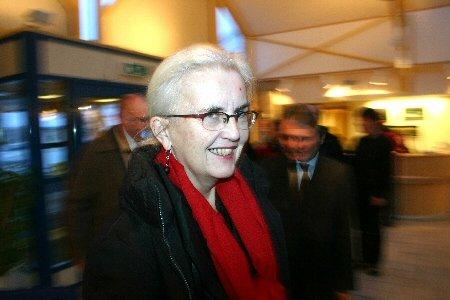 - Dere finnmarkinger er ikke direkte beskjedne, sa miljøvernminister Helen Bjørnøy da hun i går besøkte Hammerfest. For som sunnmøring lar hun seg ikke så lett forføre.