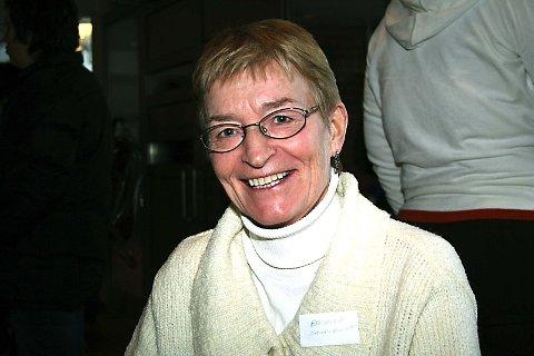 LÆRER: Aashild Saursaunet underviser sykepleierstudenter i Levanger og synes hun lærer mye på seminaret i Mosjøen.