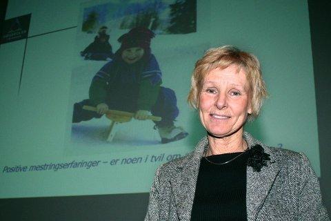 ALVOR: Barna skal tas på alvor som pårørende, sier førstelektor Bjørg Thomassen Landmark ved Høgskolen i Buskerud.   (Foto: Anne-Kristine Bastholm)