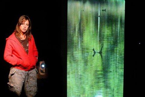 «Backfish» er en rå og virkelighetsnær skildring av ekstreme ungdomsmiljøer. Det gir rom for grundig refleksjon, ikke minst for foreldregenerasjonen.