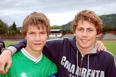 FOTBALL, SKOLE OG FRITID:  Andreas Hegna Jansen (t.v) og Fredrik Semb Berge følger hverandre - både på og utenfor fotballbanen. På talentleiren er det derimot bare Andreas som får vist seg fram, mens Fredrik er skadet.