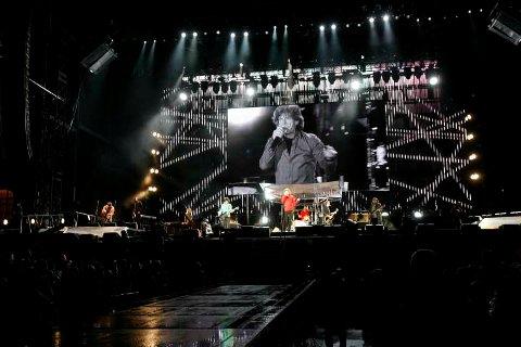 Mick Jagger hilste fansen på bergensk vis, før han var i full sving på scenen.