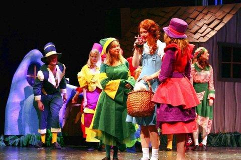 EVENTYRLAND: Dorothy er kommet til munchinland, der innbyggerne er fanger av den onde heksa.
