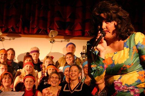THINK: syng ho Rita Franklin frå Bremanger - eller betre kjend som Laila Beate Førde. Foto: Jan Otto Hovden