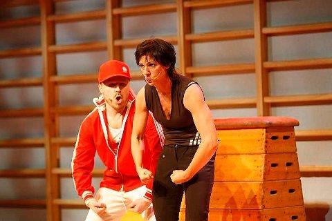 Kjersti Berge fikk skryt etter premieren på showet Shukahara. Her med Jonas Digerud (15.02.2007).