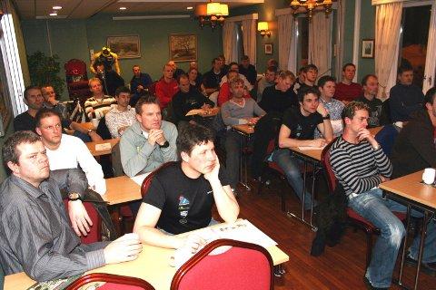 STOR INTERESSE:  Nærmere 40 møtte  opp på seminaret til Svein Gaute Hølestøl.