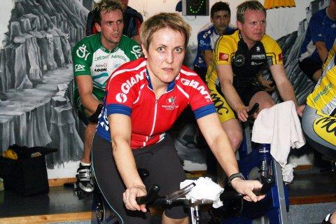 Rana sykkelklubb er godt representert i Team Helgeland. Her er Berit Bakkan på samlinga i Mosjøen.