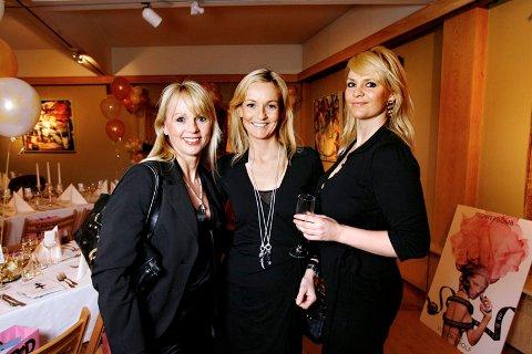 Ellen Nesse (43), Linn Pihl Nyborg (35) og Birte Pedersen (26) fra Scabal Dame arrangerte motevisning.