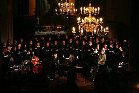 Mektig Meditatus. Bodø domkor og Jan Gunnar Hoff Group fremførte i helgen verket Meditatus under Oslo internasjonale kirkemusikkfestival. Det gjorde de på en utmerket måte. Alle foto: Helge Grønmo