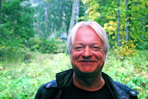 TROFAST: Morten Belstad støtter alltid LSK.FOTO: OLA EINBU