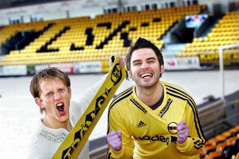 YEAH, YEAH, YEAH!: Morten K. Remberg (til venstre) og Morten Bergheim har tidligere skrevet sang for LSK. De mener begge at opplevelser de får som fotballentusiaster har mange fellestrekk de får fra mer tradisjonelle kunstuttrykk. FOTO: LISBETH ANDRESEN