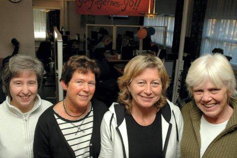 VÆRT MED SIDEN STARTEN: Lise Karin Lauvhaug, Kari Myhre Karlsen, Gunnhild Svenstad og Reidun Damstuen har alle vært med siden starten i 1982, og de stortrives på arbeidsplassen.FOTO: ANNE KJØNNIKSEN.
