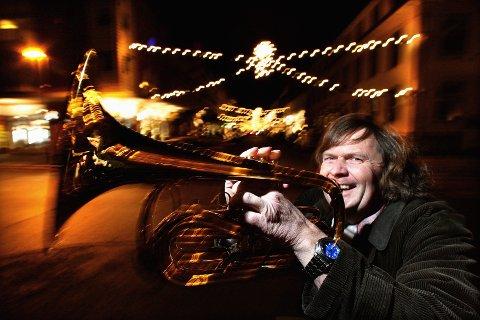FANFARE: Medarrangør Odd H. Brubak i Lillestrøm Jazzklubb.