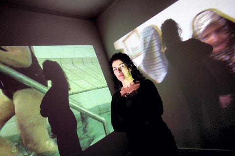 VIDEOKUNSTNER: Roghie Asgari Torvund (47) stiller ut sin videokunst på Akershus kunstnersenter. BEGGE: LISBETH ANDRESEN