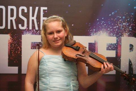 """Annie Valentina Presthus er med i """"Norske talenter"""" på TV 2 (2008)."""