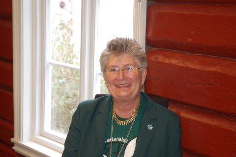 Helga Arntzen håper yngre familiemedlemmer kan fortsette arbeidet.