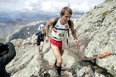 VANN - IGJEN: Jon Tvedt er i ein klasse for seg på Storehesten. Laurdag vann han NM med fleire minutt til neste løpar. Foto: Rune Fossum