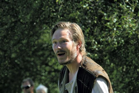 HOVED-ROLLE: Trond Peter Stamsø Munch spiller smeden Amund ned stor inn- levelse.  (Bilder: Kari  Wærum)