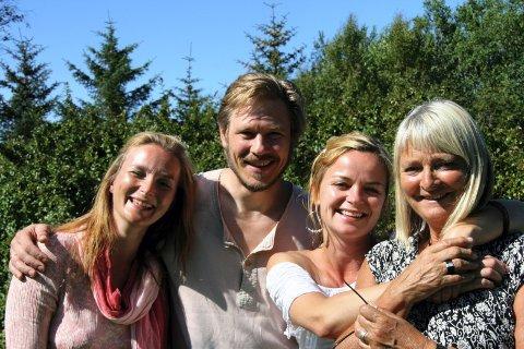 FEIRET KVARTETT: Forfattere og skuespillere (fra venstre): Tale Næss, Trond Peter Stamsø Munch, Kikki Stormo og Inga E. Næss.