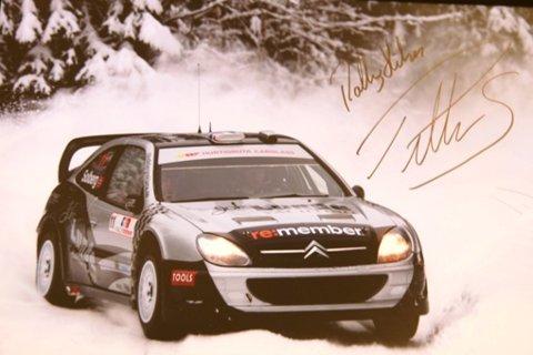 PREMIE: Du kan blant annet vinne signert bilde av Petter Solbergs nye bil.