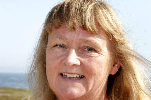 BEKYMRET: Vera Lysklætt håper at Venstre kravler seg over sperregrensen i løpet av valgnatten.