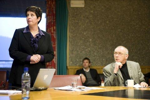 Øistein Christoffersen, Liv Røssland og Tor Woldseth presenterte Frp sitt alternative budsjett i dag (20.11.09).