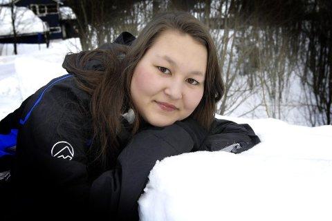 VILLE BLI KVITT SMERTEN: Emma Haugerud skadet seg fysisk for å bli kvitt smerten over å bli mobbet.(Foto: Torild Wika)