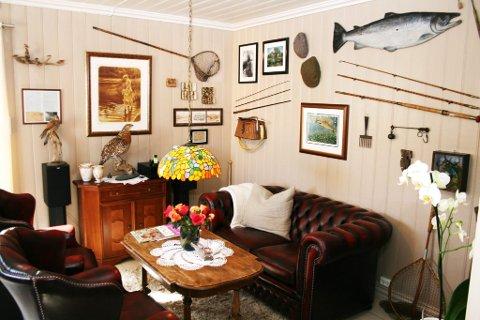 Engelsk inspirert: Fiske- og whiskyrommet synliggjør Morten Harangens anglofile legning og store fluefiskeinteresse.