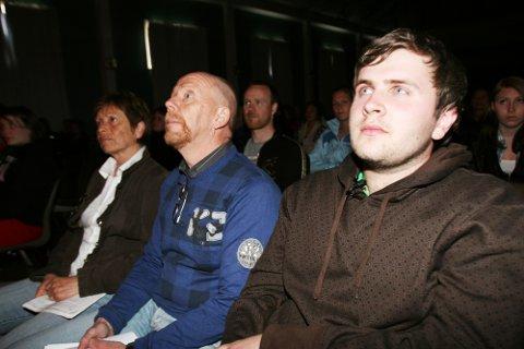 RAMMA: Kristoffer Eknes (frå venstre) vart sjølv utsett for ei trafikkulukke. Lars Arne og Berit Markhus mista dottera si i trafikken.
