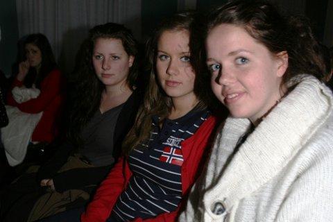 SAKN: - Eirin skulle vore russ saman med oss, seier (f.v.) Irmelin Hosøy Skår, Marte Aadland og Ingeborg Boge.